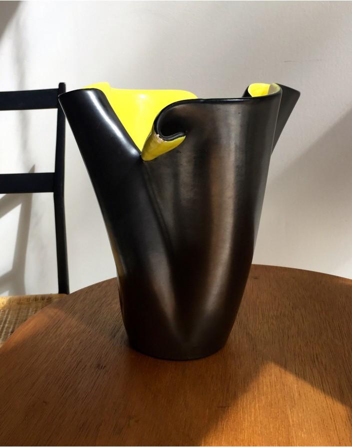 vase elchinger noir et jaune. Black Bedroom Furniture Sets. Home Design Ideas