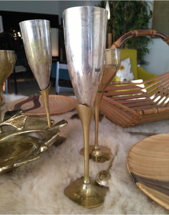 coupe champagne en laiton 1950. Black Bedroom Furniture Sets. Home Design Ideas