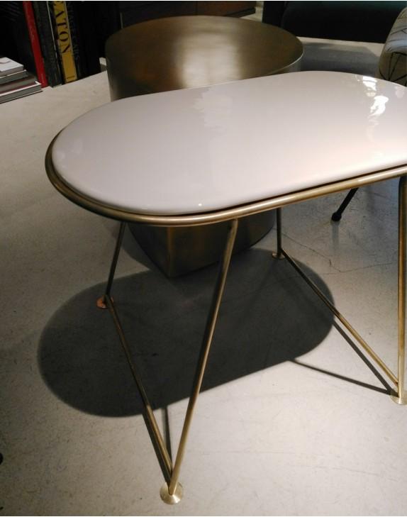Table Capsule