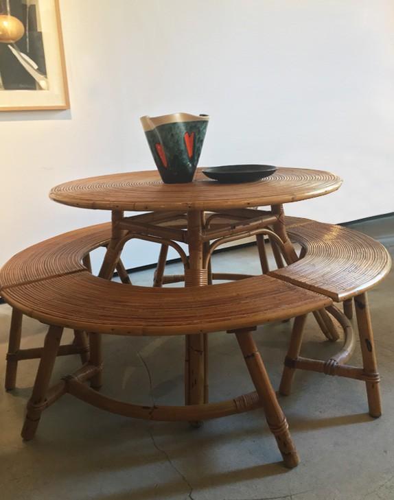 Table à manger et bancs
